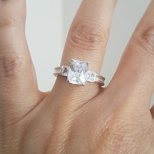 Sterling silver 9x7 emerald Engagement Ring 5 & 8